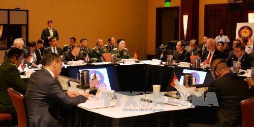 越南防长吴春历:东南亚的和平、稳定与繁荣符合东盟和美国的利益 hinh anh 1