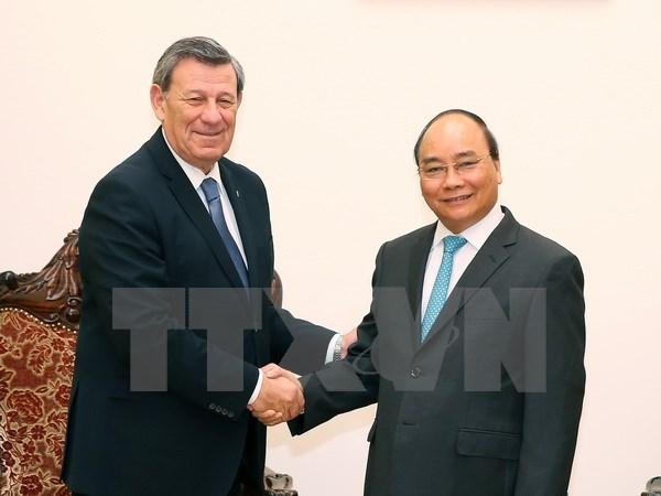 阮春福总理会见乌拉圭东岸共和国外交部长诺沃亚 hinh anh 1