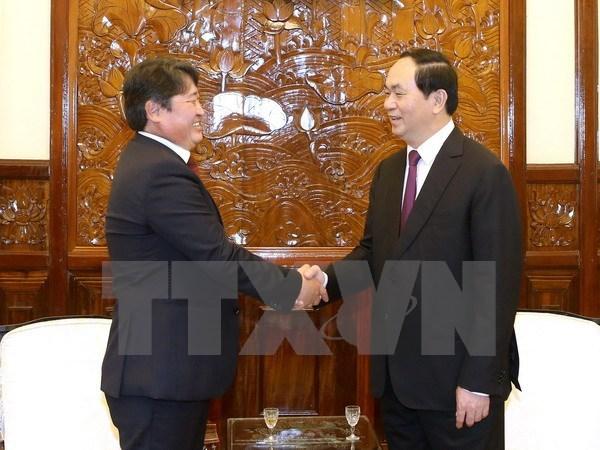 越南国家主席陈大光会见蒙古国住越大使 hinh anh 1