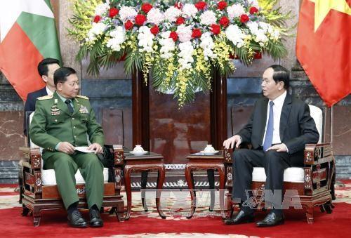 越南国家主席陈大光会见缅甸国防军总司令敏昂莱 hinh anh 1