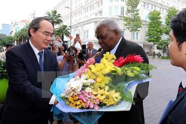 胡志明市领导会见古巴全国人民政权代表大会主席埃斯特万 hinh anh 1