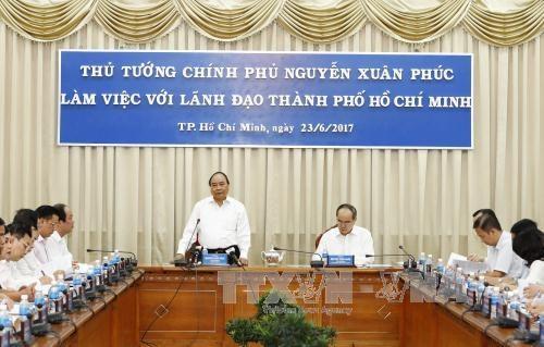 阮春福总理:胡志明市应为有抱负的创业者提供便利的创业环境 hinh anh 1
