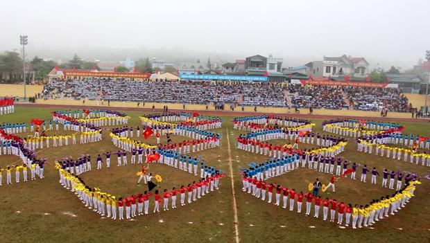 中国云南省西双版纳州体育代表团参加第4届莱州省体育运动会 hinh anh 3