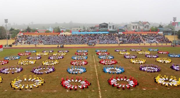中国云南省西双版纳州体育代表团参加第4届莱州省体育运动会 hinh anh 7