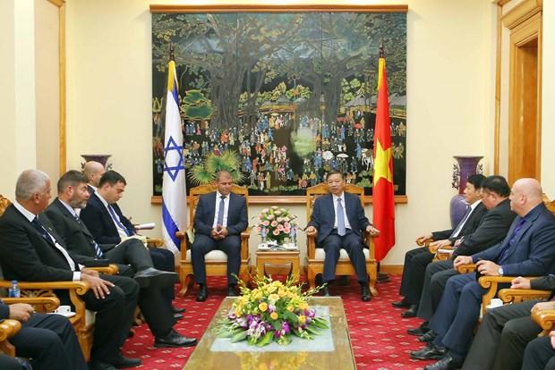 越南公安部长苏林会见以色列公安部总司长耶德里 hinh anh 1