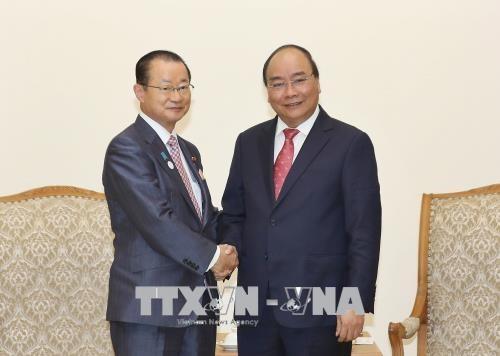 越南政府总理阮春福会见日本众议院研究代表团 hinh anh 1