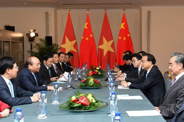 ASEM 12: 阮春福总理会见中国国务院总理李克强 hinh anh 2