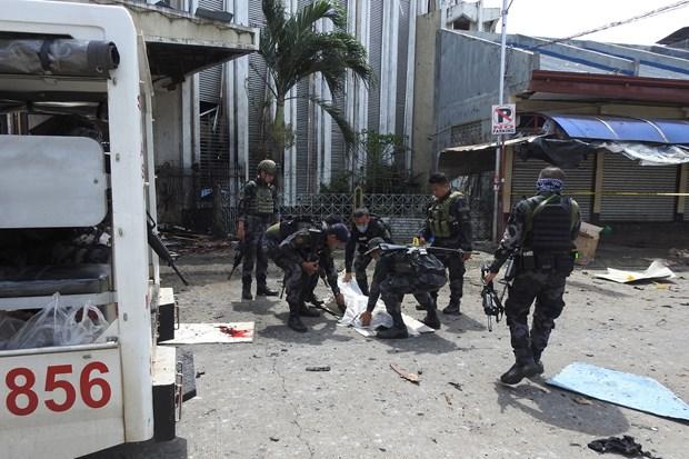 菲律宾中期选举前夜发生连环爆炸事件 hinh anh 1