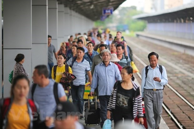 越南铁路:旅客运输量下跌后逐步反弹回升 hinh anh 1