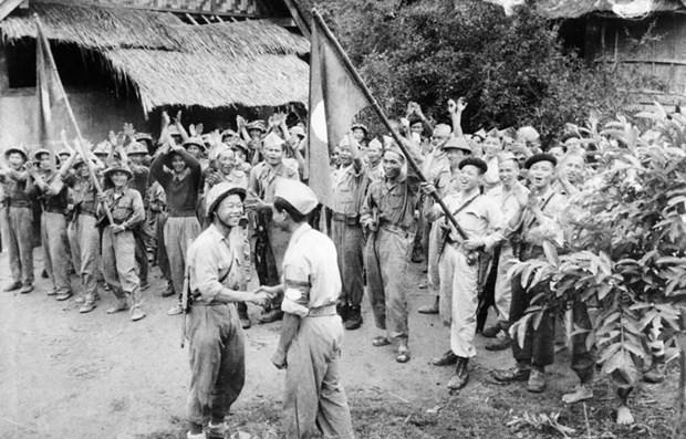 老挝人民民主共和国主席凯山•丰威汉诞辰100周年:老越战斗联盟培育者 hinh anh 1