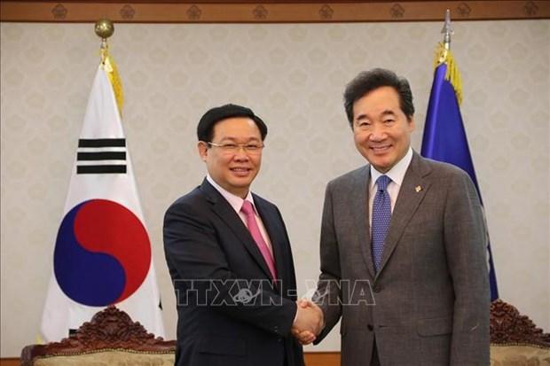 越南政府副总理王廷惠会见韩国总理和国会议长 hinh anh 1