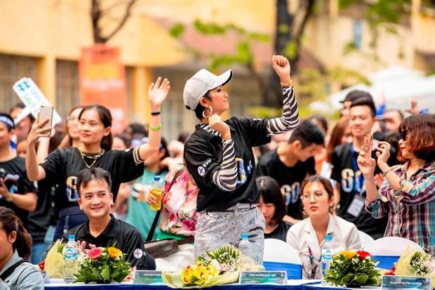 越南环球小姐赫姮尼依参与2019年地球1小时熄灯活动(组图) hinh anh 10