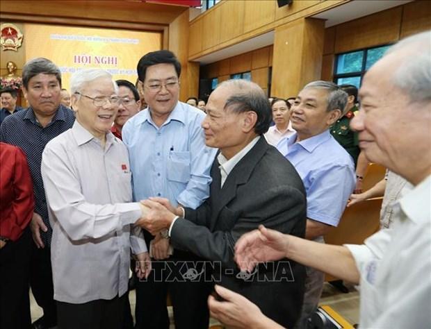 越共中央总书记、国家主席阮富仲会见河内市选民 hinh anh 1