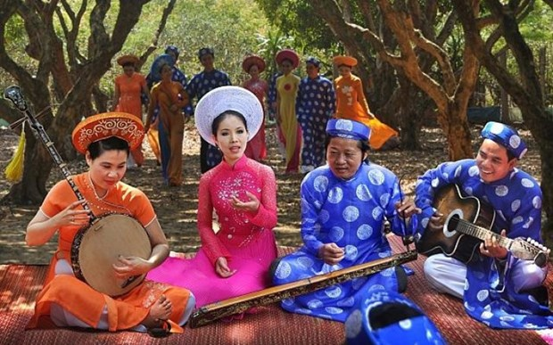 同塔省保护和弘扬才子弹唱和同塔号子国家非物质文化遗产价值 hinh anh 2