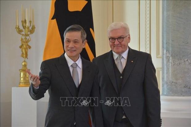越南驻德国大使阮明武:德方同意巩固和充实越德战略伙伴关系内涵 hinh anh 1