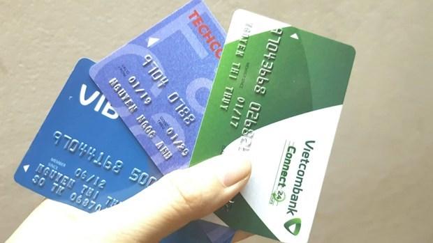 越南各商业银行力争将磁条卡换成芯片卡 控制卡数据窃取现象 hinh anh 1