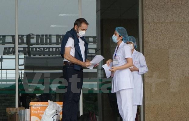 法国前驻越大使在越南体验新冠肺炎治疗过程 hinh anh 1