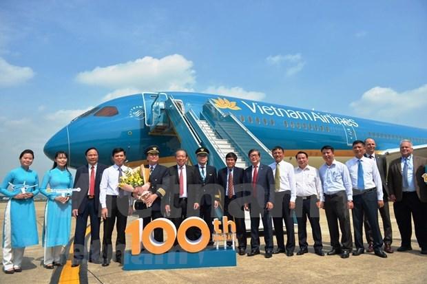 越航迎来第100架飞机提升越南航空业的国际地位 hinh anh 2