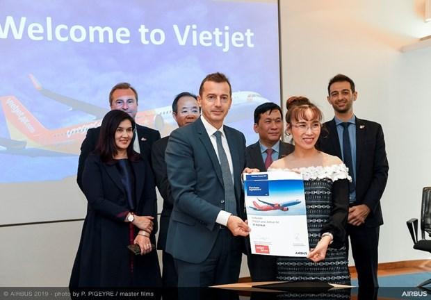 越捷航空公司与空客公司签署20架A321XLR客机订购合同 hinh anh 2