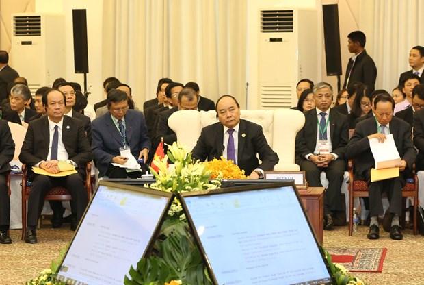进一步促进越老柬三国合作深入且有效发展 hinh anh 1