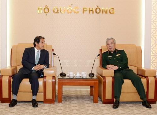 日本希望与越南加强防务合作 hinh anh 1
