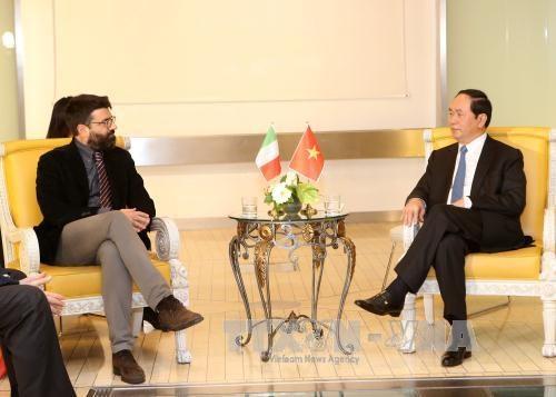 越南国家主席陈大光会见意大利民主党、重建共产党及共产党领导 hinh anh 1