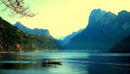 坐落在山腰上的越南最大淡水湖——三海湖 hinh anh 1