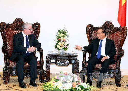 越南政府总理阮春福会见澳大利亚驻越大使克雷格•奇蒂克 hinh anh 1