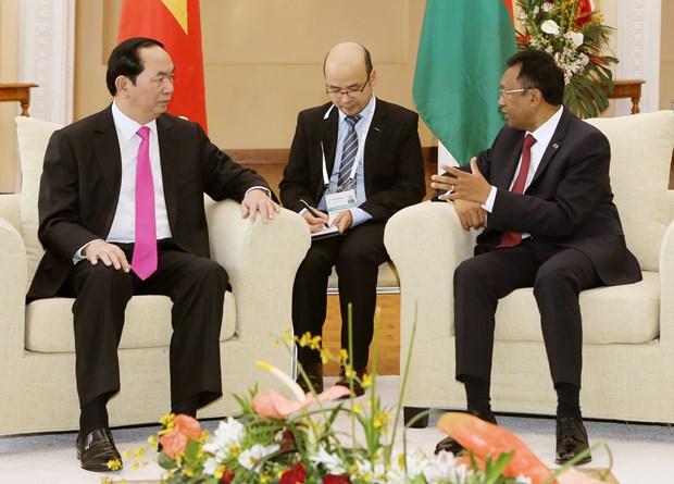 越南国家主席陈大光与马达加斯加总统举行会谈 hinh anh 1
