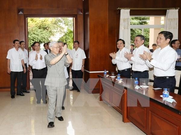 越共中央总书记阮富仲在老挝的活动报道 hinh anh 1