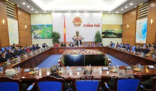 越南政府副总理张和平会见北江省少数民族代表人士参观团 hinh anh 1