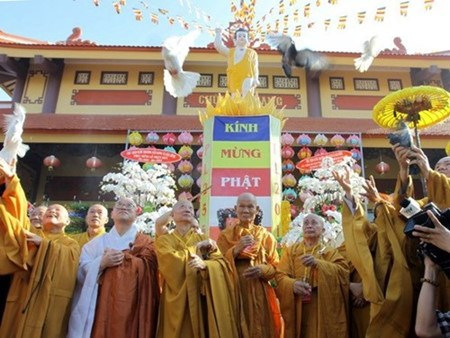越南法律完全符合国际社会的宗教信仰准则 hinh anh 1