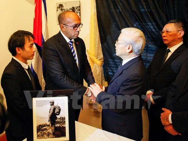 古巴革命领袖菲德尔·卡斯特罗永远活在越南人民心中 hinh anh 1
