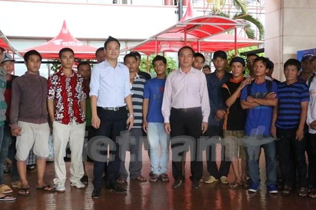 印尼将57名越南渔民释放回国 hinh anh 1