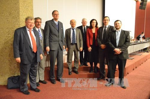 东海问题研讨会:国际学者强调了加强合作解决东海争端的重要性 hinh anh 2