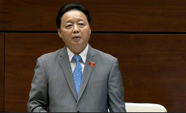 越南自然资源与环境部部长就有关环境污染和土地的疑问进行解答 hinh anh 1