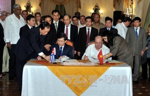 越南最高人民检察院代表团对古巴进行正式工作访问 hinh anh 1
