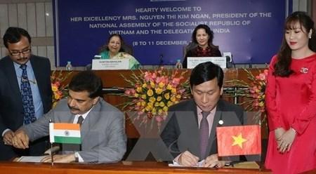 越捷航空公司与印度航空公司签署合作协议 hinh anh 1