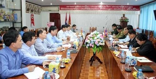 越南人民军队第四军区与老挝沙湾拿吉省特别工作委员会有效开展烈士遗骸寻找归宿任务 hinh anh 1
