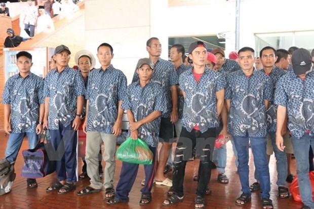 印尼将39名越南渔民释放回国 hinh anh 1