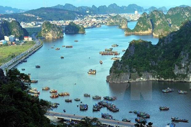 越南下龙湾被列入亚洲最令人印象深刻的遗产名录 hinh anh 1