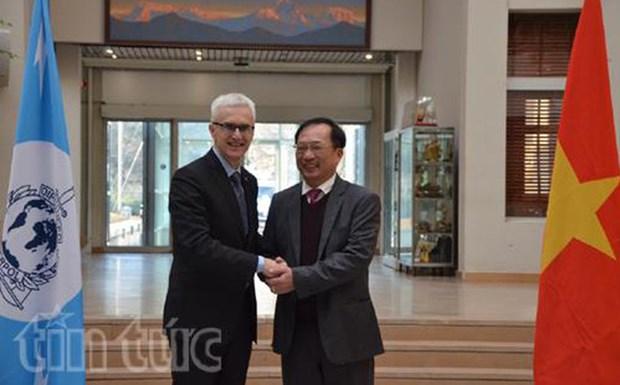 越南与国际刑警组织加强打击跨国犯罪合作 hinh anh 1