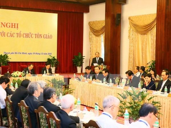 阮春福总理要求各宗教组织积极参与建国卫国事业 hinh anh 1