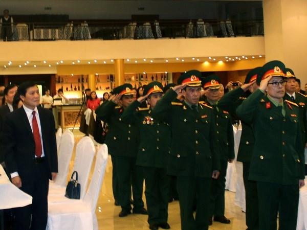 旅居捷克越南老兵协会举行越南人民军成立72周年纪念仪式 hinh anh 1