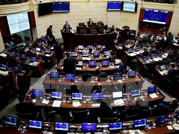越南领导人致电祝贺哥伦比亚两院通过和平协议 hinh anh 1