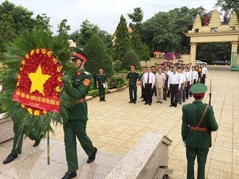 柬埔寨首相洪森参观访问同奈省125号兵团历史遗迹区 hinh anh 1