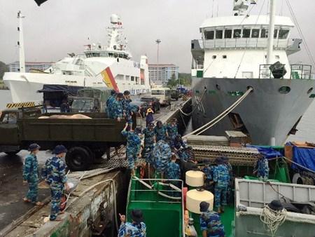 向长沙岛县运送500吨年货服务丁酉春节 hinh anh 1