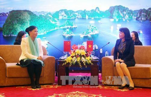 广西壮族自治区妇联对越南三省进行工作访问 hinh anh 2