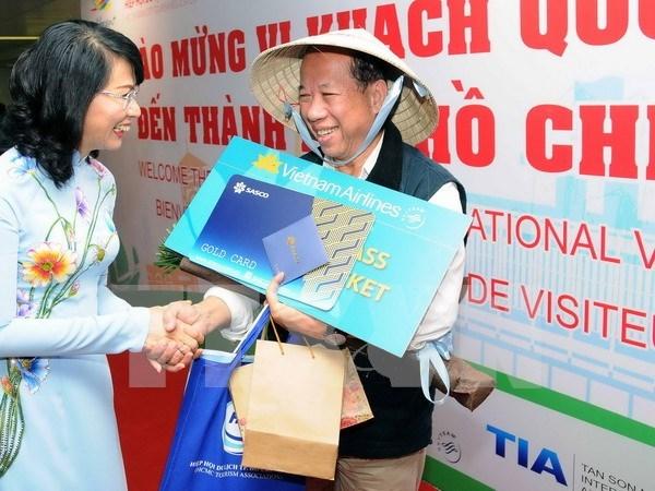 胡志明市迎来第500万名国际游客 hinh anh 1