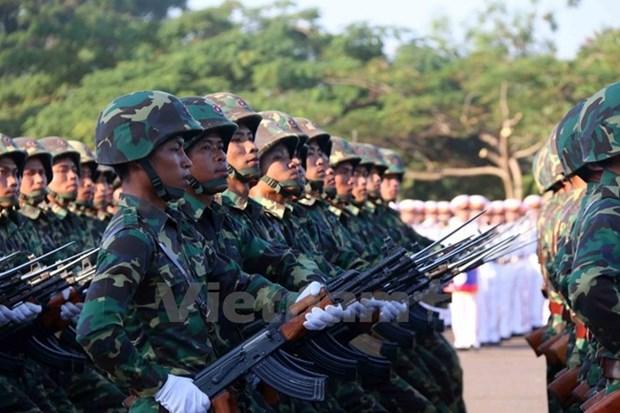 老挝人民革命党中央总书记推进军队现代化 hinh anh 1